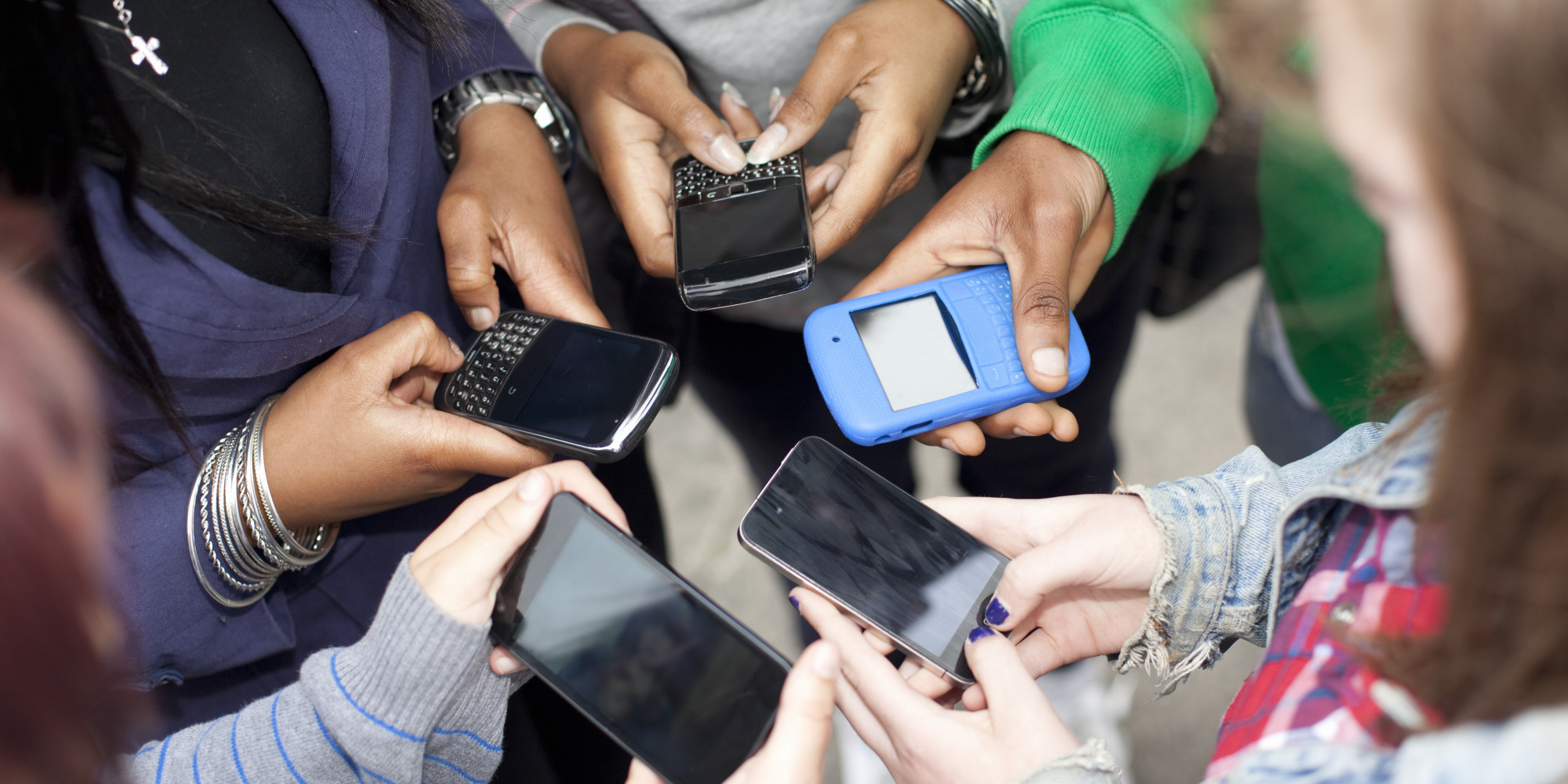 Pressure to Be Available on Social Media May Harm Teenagers