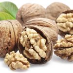 4 Powerful Reasons to Eat Walnuts